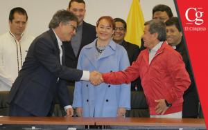 Gobierno y ELN acuerdan pausa en diálogo de paz por elecciones