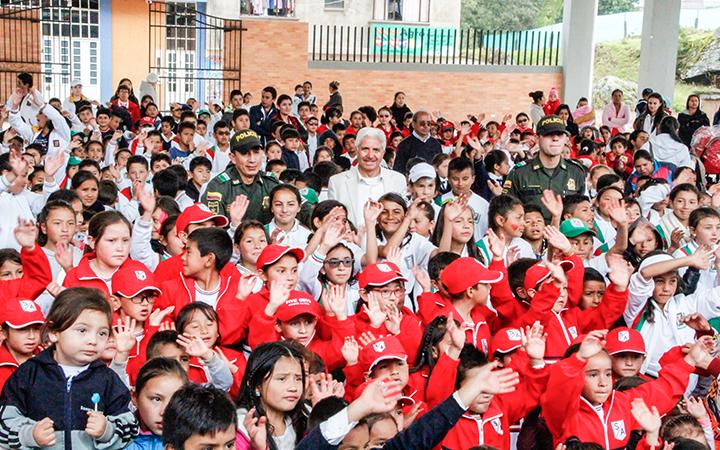 Uno de los grandes logros de la actual administración es la reconstrucción de dos escuelas de Ventaquemada.