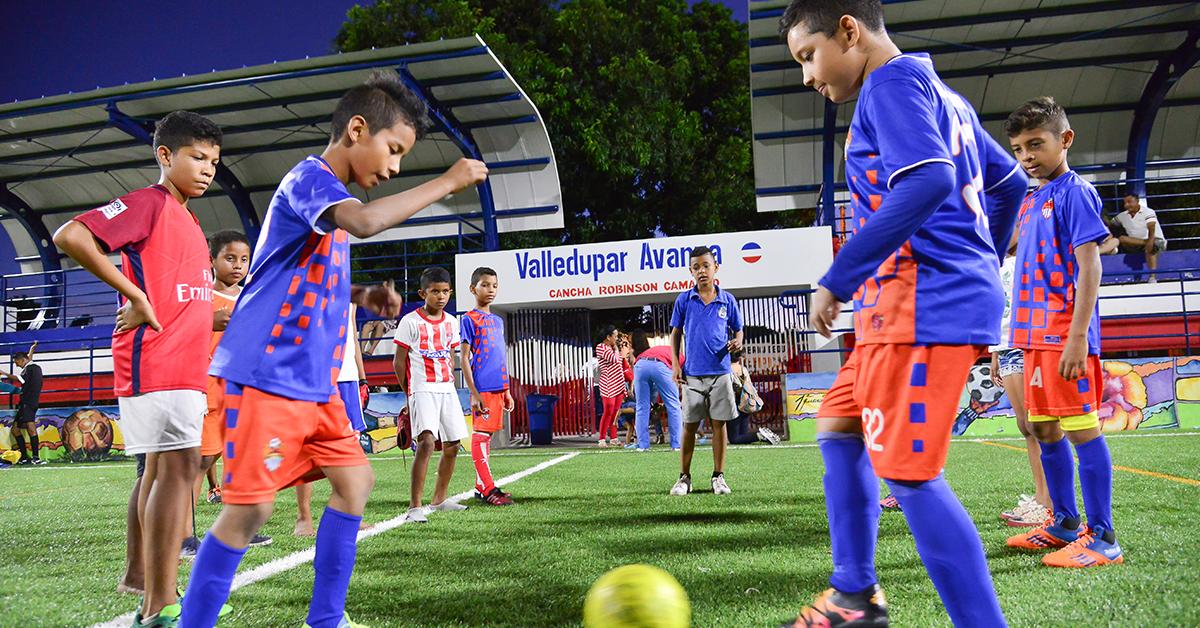 La Alcaldía ha conseguido avances significativos en temas sociales, especialmente en las áreas educativa y deportiva.
