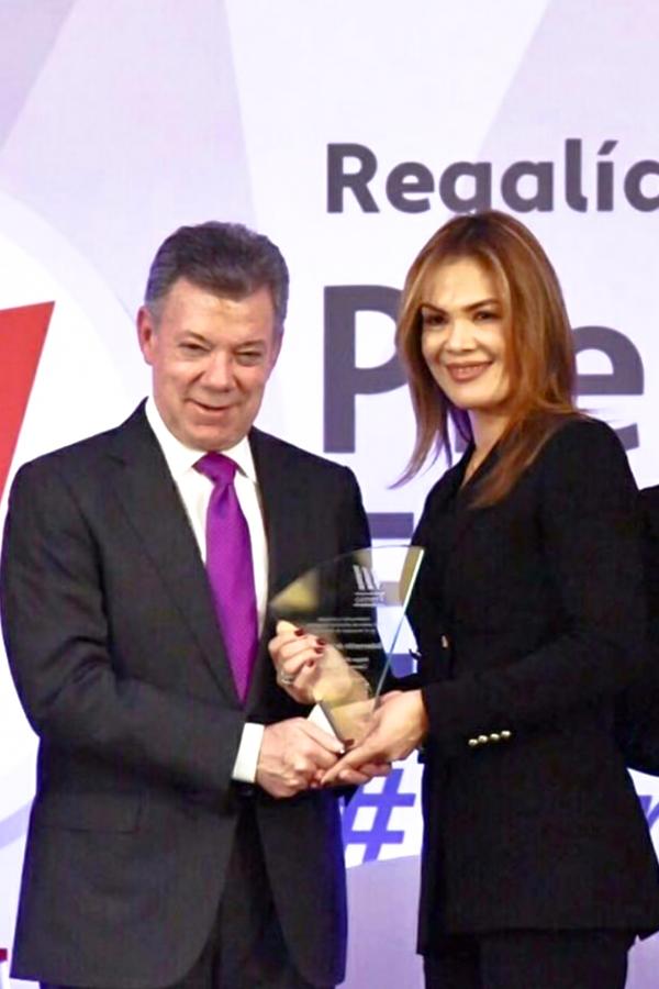 En la segunda versión de Regalías Bien Invertidas, Premio a la Excelencia. Evento organizado por el DNP en alianza con la Universidad del Rosario. La Guajira fue uno de los ganadores en la categoría de Mejor Proyecto de Cierre de Brechas, a través del CDI Mundo Feliz, del municipio de Barrancas.