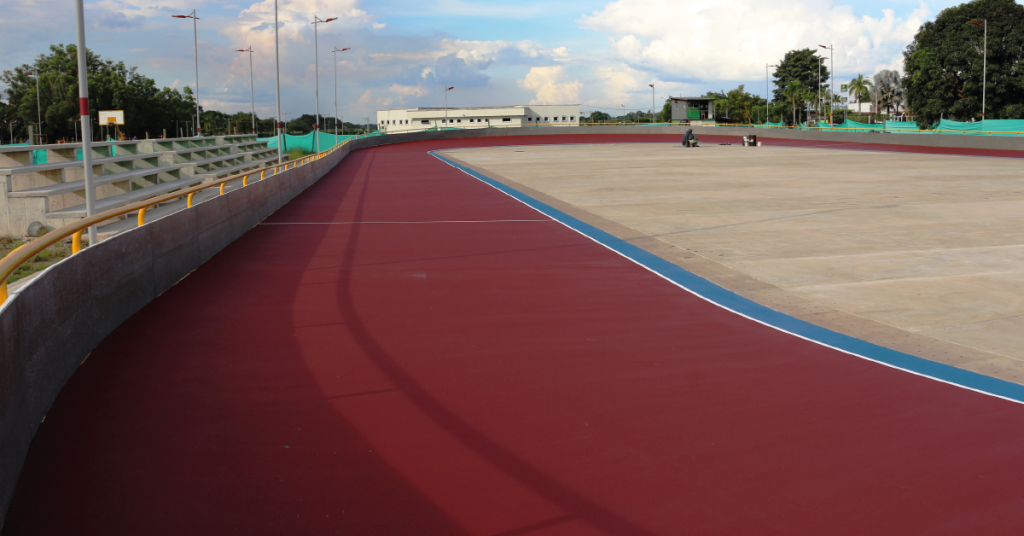 La pista de patinaje se encuentra en construcción y se espera su pronta entrega a la ciudad.