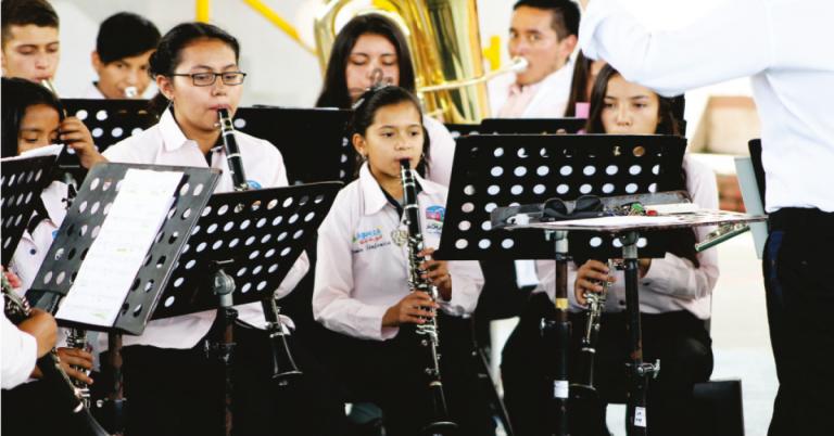 En Cáqueza, los niños y jóvenes tienen varias opciones de esparcimiento, entre ellas la banda sinfónica del municipio.