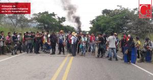 Indígenas mantienen bloqueo en la vía Panamericana