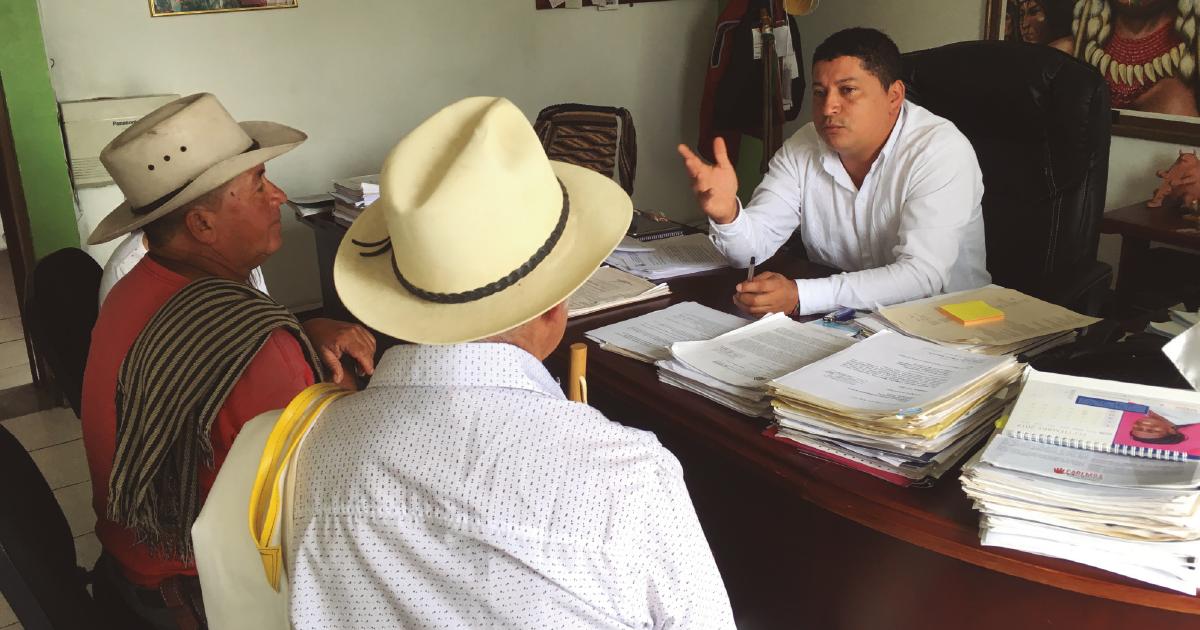 Los sábados, el despacho del alcalde Hernández abre sus puertas a las comunidades rurales.