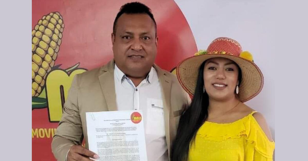 El alcalde, Régulo Rodríguez y la Presidenta del Movimiento Alternativo Indígena y Social, (MAIS), Martha Peralta Epieyú.