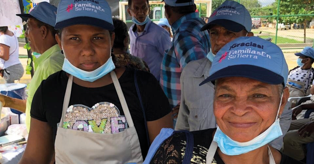 Mercado Campesino, Programa Familias en su Tierra, productos cultivados en sus huertas