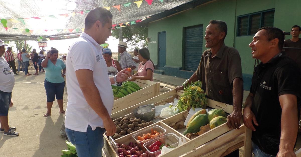 El alcalde se propone fortalecer la agricultura para impulsar la economía del municipio.