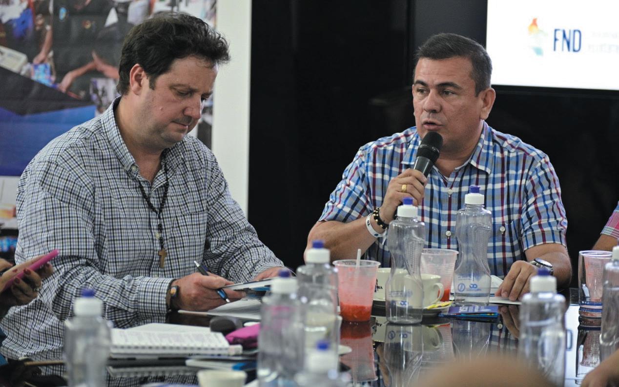 Mesa de trabajo con la Secretaría de Hacienda y la Federación Nacional de Departamentos (FND) sobre las estrategias para frenar el contrabando.