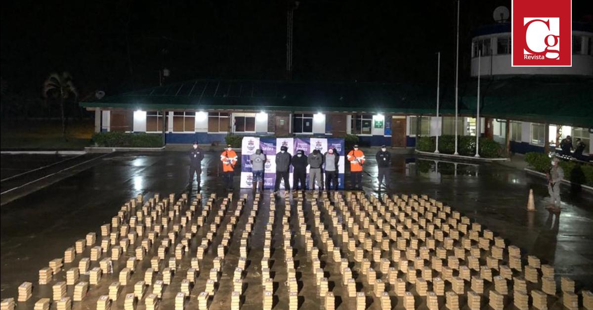 Armada de Colombia incauta 1,6 toneladas de cocaína en el Golfo de Urabá