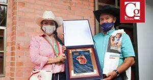 Concejales de Aguazul condecoraron a Amanda Rocío por la millonaria gestión para el Municipio